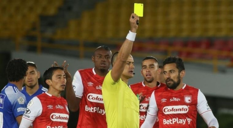 Hinchas de Santa Fe volvieron a arremeter contra Andrés Pérez tras paso de Millonarios a la final