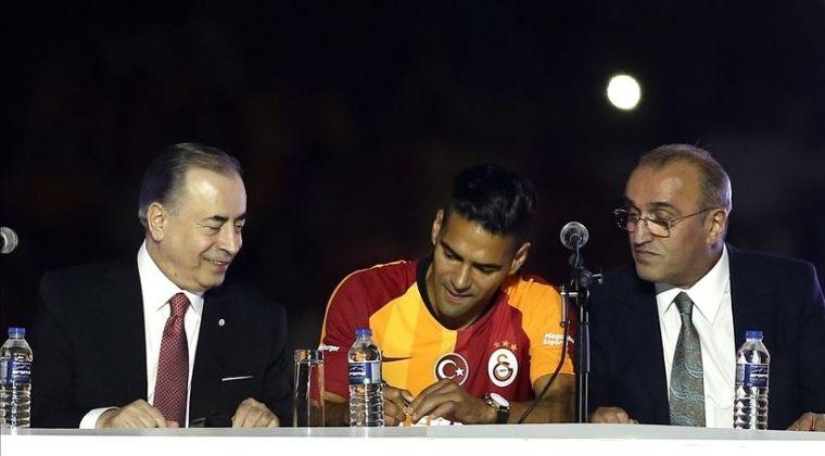 El fichaje de Falcao García a Galatasaray se dio por las redes sociales y no por convicción