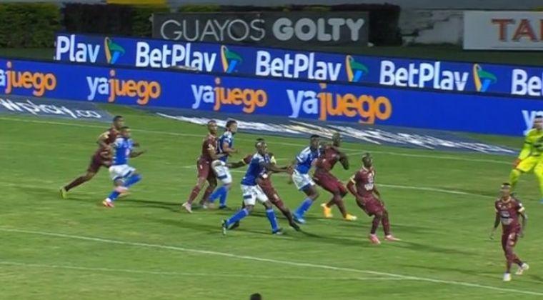 Polémico penalti que le da el empate a Millonarios sobre el final ante Deportes Tolima