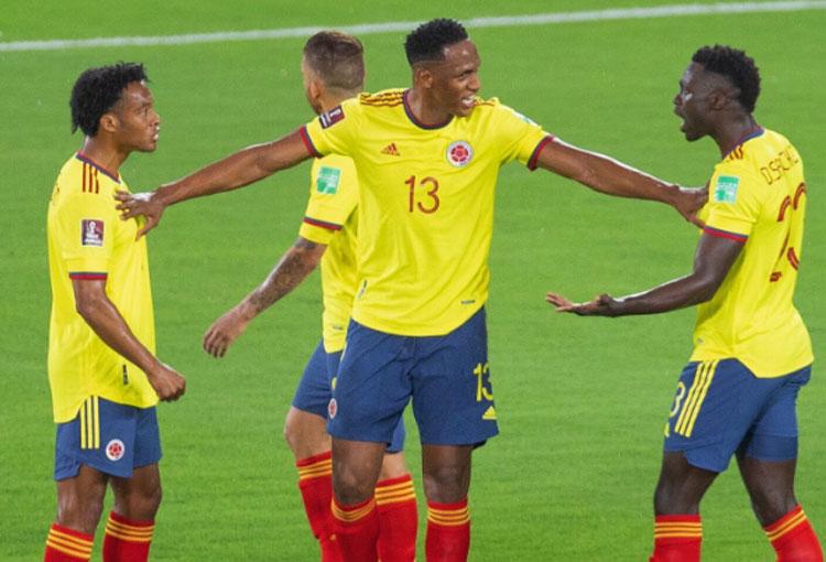La discusión entre Cuadrado y Dávinson tras un gol de Argentina