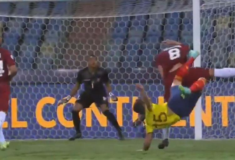 Las impresionantes atajadas de Wuilker Faríñez ante la Selección Colombia