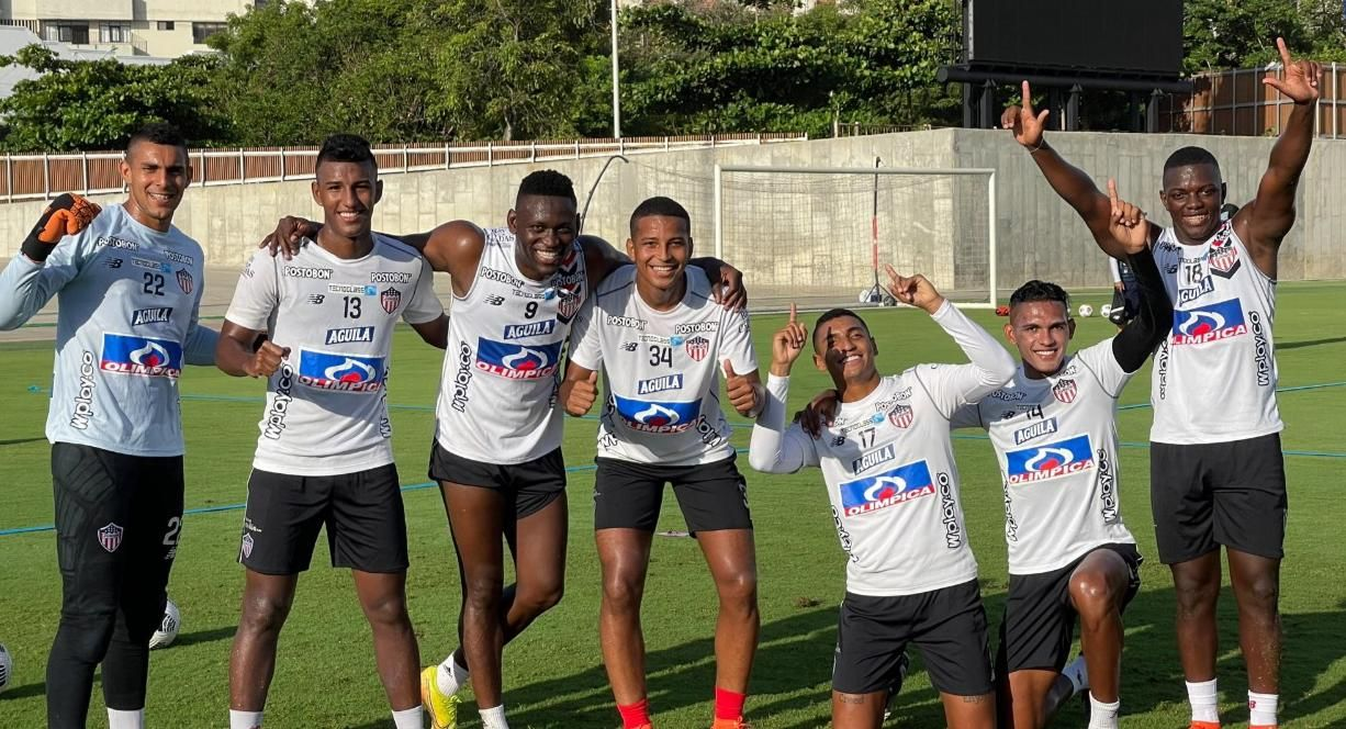 Probable titular de Junior para recibir a Libertad en Copa Sudamericana