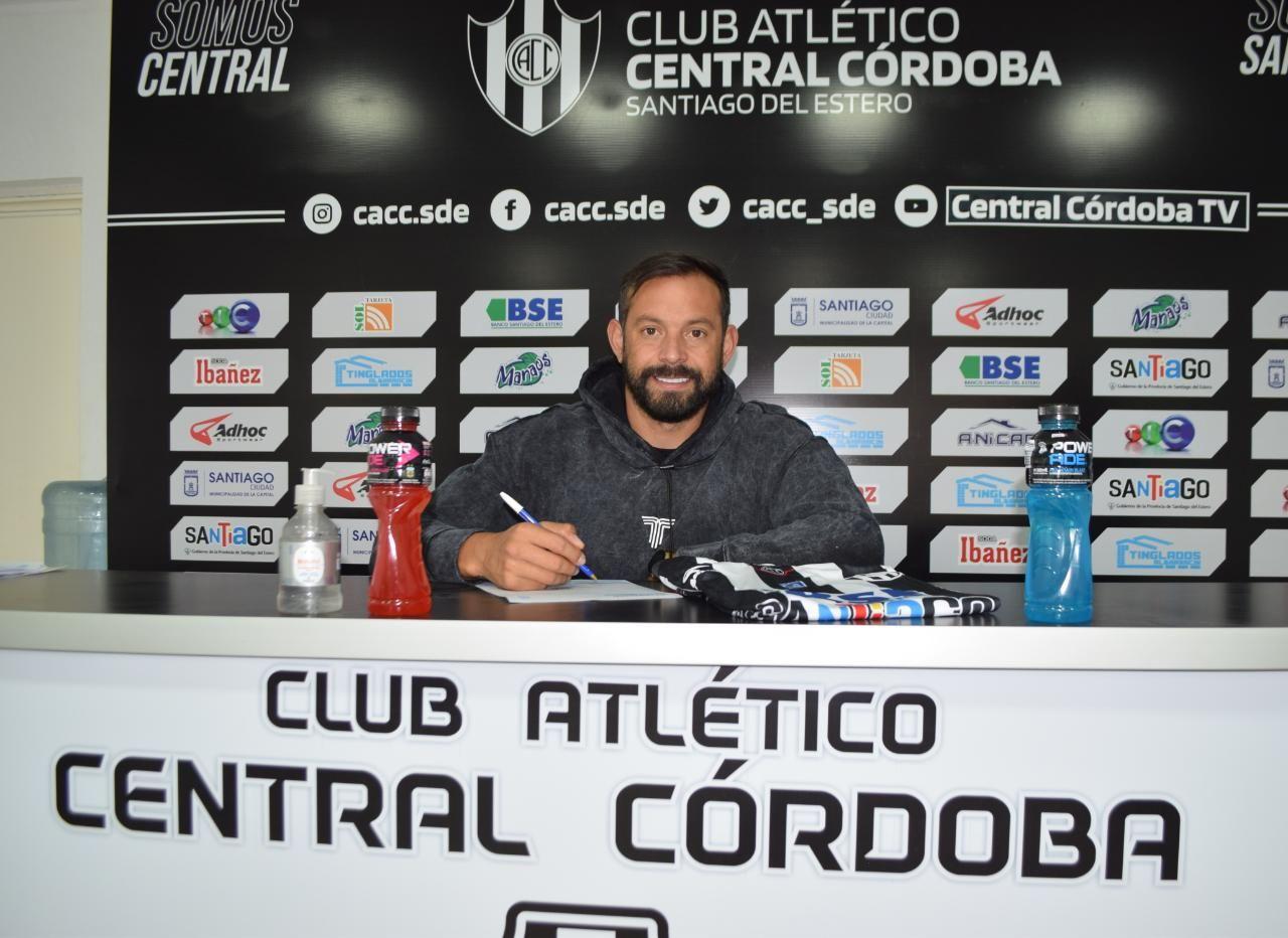 Matías Mier fue presentado oficialmente como jugador del Club Atlético Central Córdoba