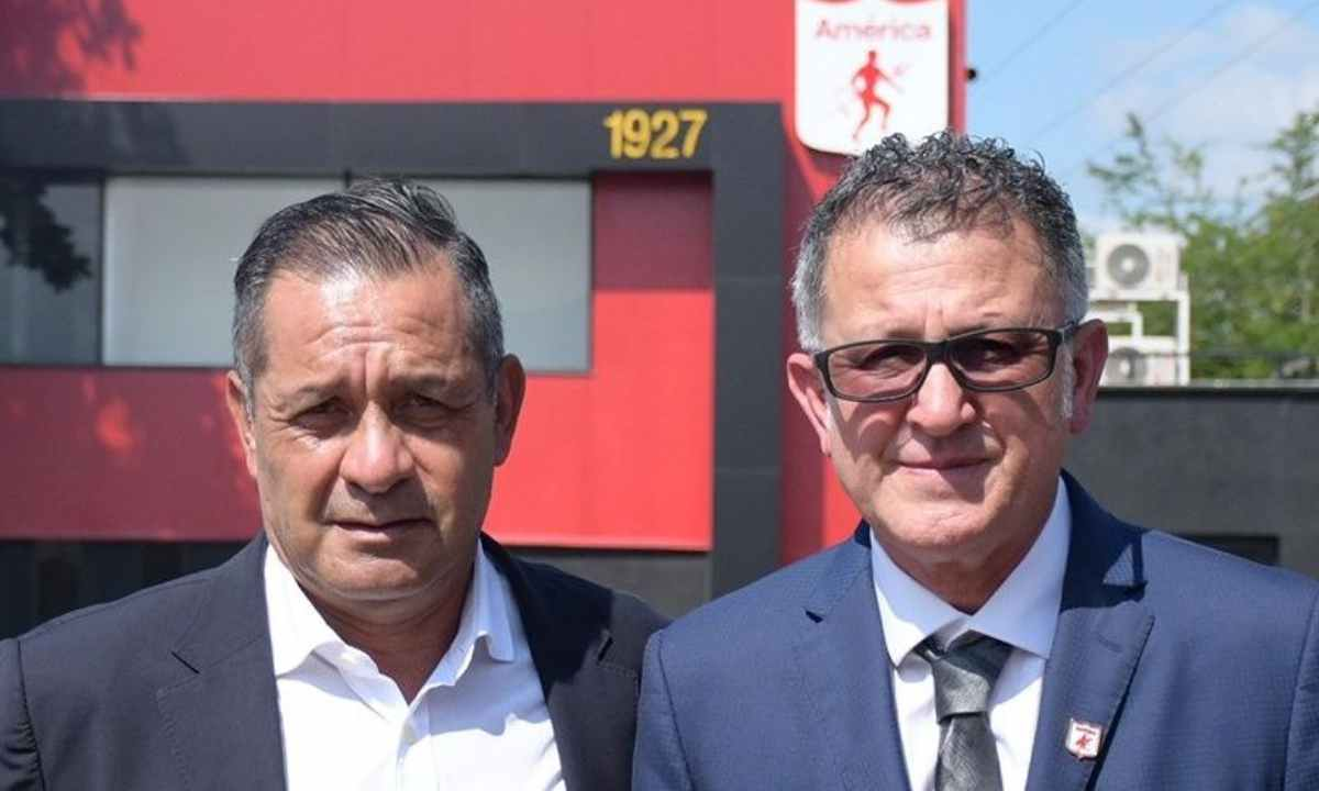 Pompilio Páez el funcionamiento de América de Cali con Juan Carlos Osorio