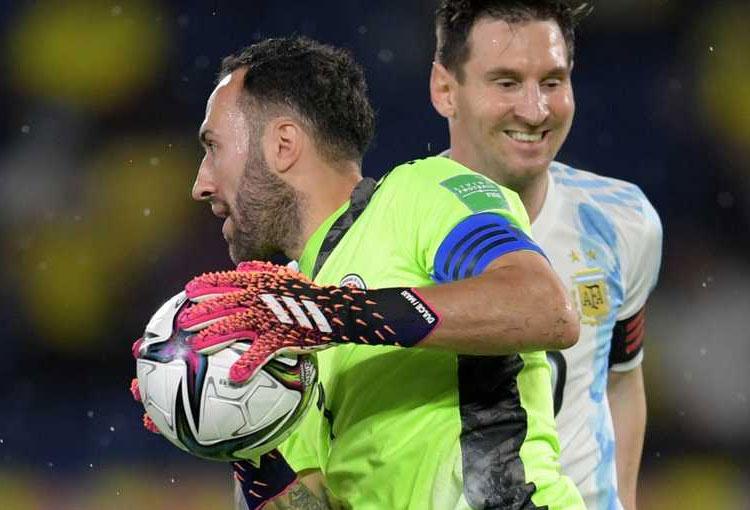 Todos los duelos entre David Ospina y Lionel Messi. ¿Quién va ganando?