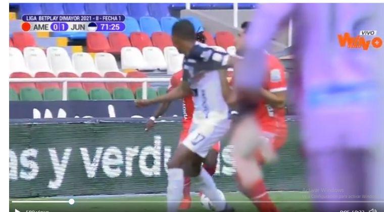 ¡Vuelve y juega! Novena expulsión para Gabriel Fuentes. Ahora en el América vs. Junior FC
