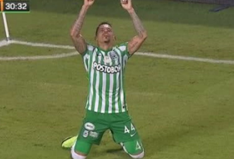 ¿El Loco Álvez haciendo méritos para ser titular en la Liga BetPlay 2021-II?