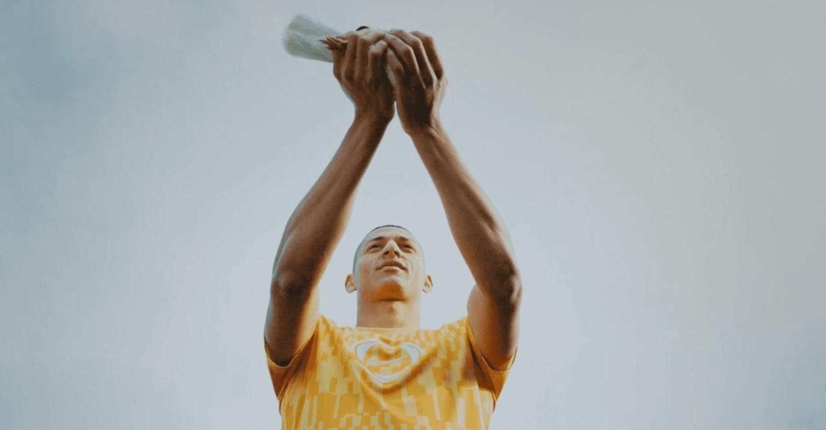 Richarlison lucha por la justicia en el nuevo comercial de Nike