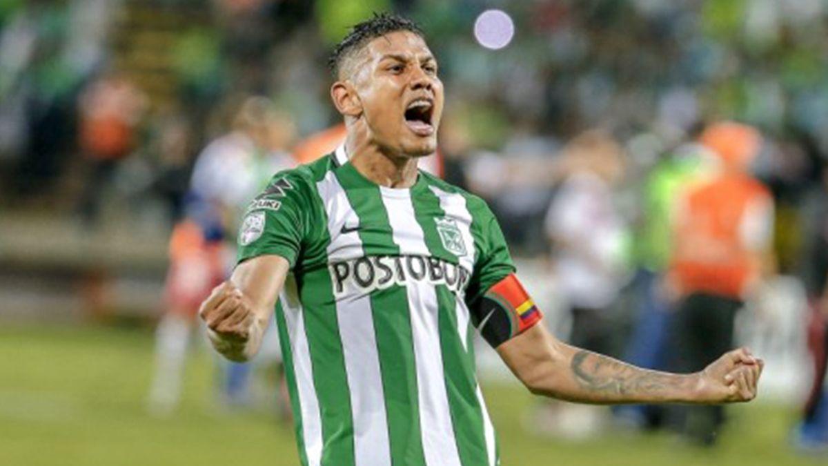Álex Mejía fue víctima de los ladrones. ¡Robaron su camiseta de campeón de la Libertadores!