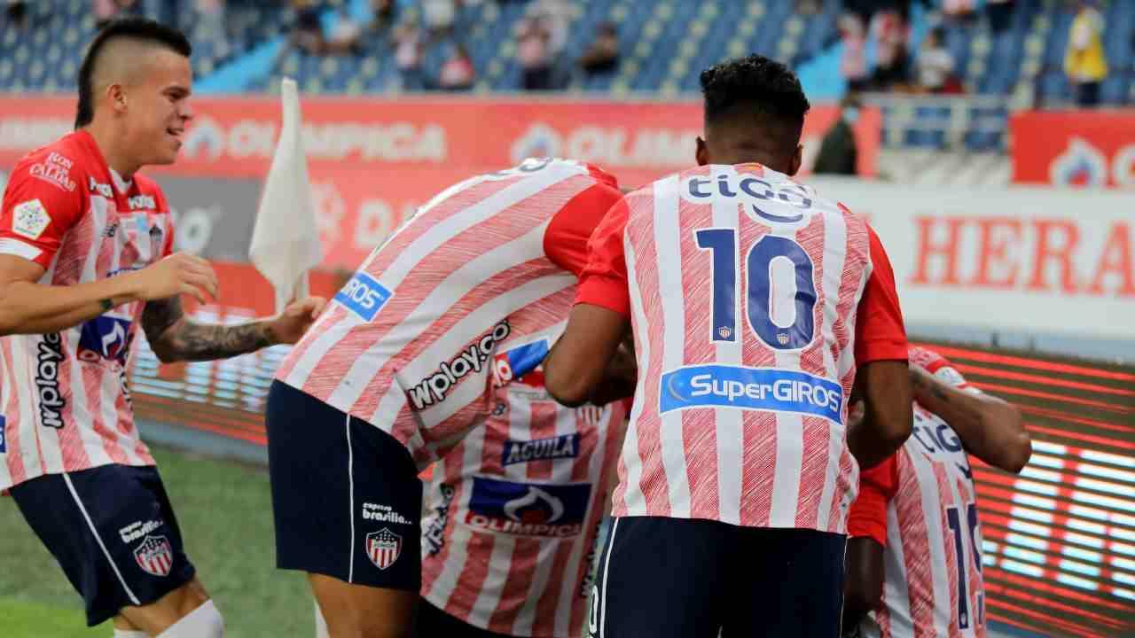 Entre muchos errores, Junior goleó a Once Caldas en el debut de Arturo Reyes