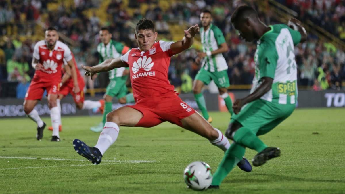 ¿Cuál es el historial entre Independiente Santa Fe y Atlético Nacional?