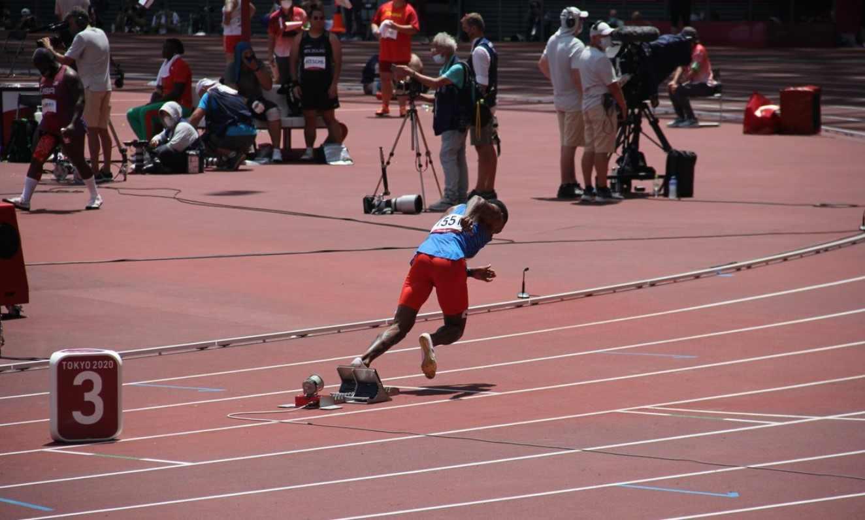 ¡Anthony Zambrano ganó medalla de plata en los 400 metros planos!