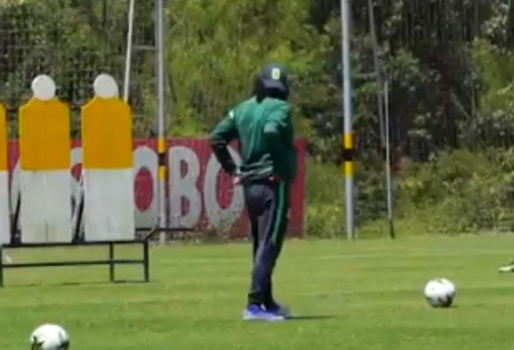 Golazo de René Higuita en entrenamiento de Atlético Nacional