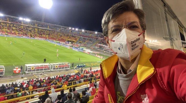 ¿Se cierra El Campín?: Lo que dijo Claudia López tras desmanes en el Santa Fe vs. Nacional