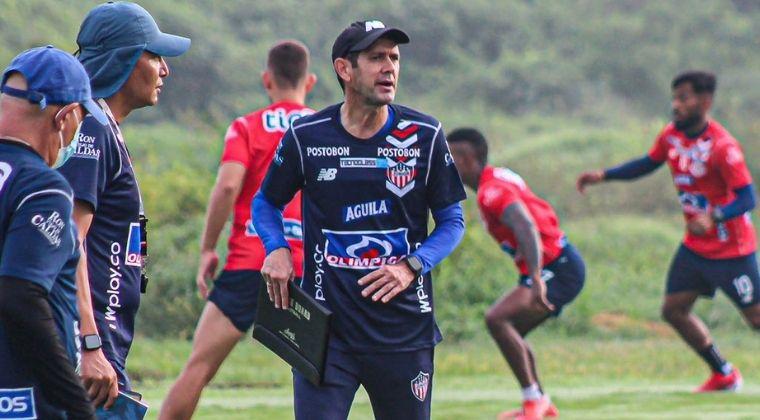 Primer entrenamiento y primeras palabras de Arturo Reyes con Junior