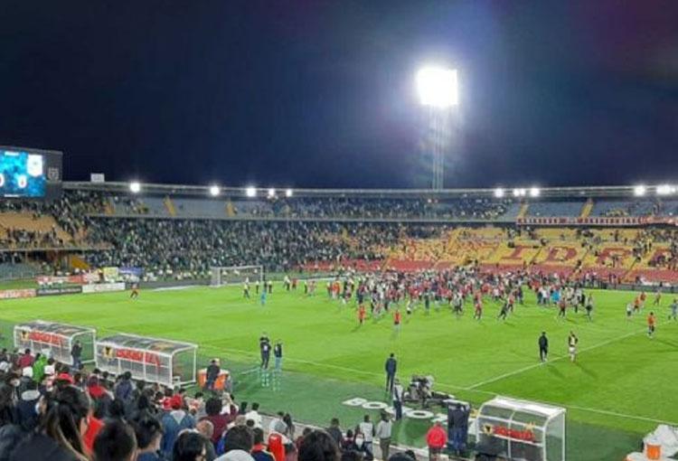 La razón por la que Santa Fe y Atlético Nacional siguieron jugando tras los desmanes en El Campín