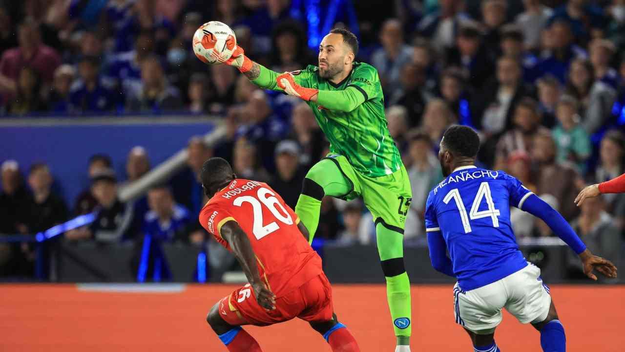 David Ospina, titular en el empate de Napoli ante Leicester en Europa League