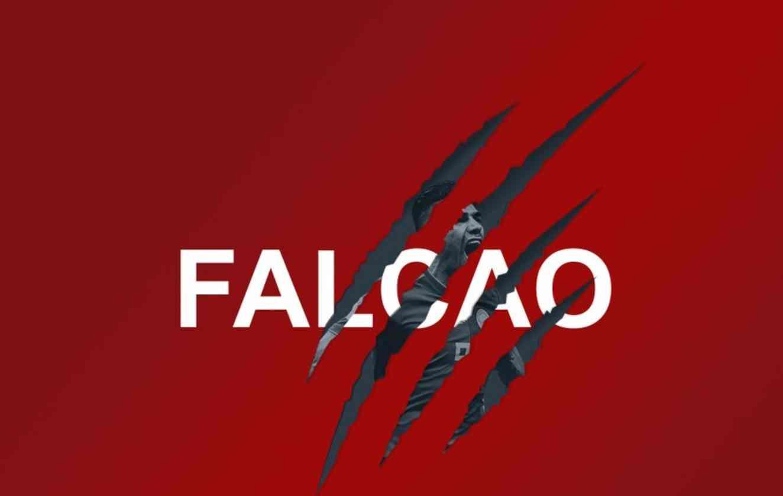 Falcao saluda a la afición del Rayo Vallecano