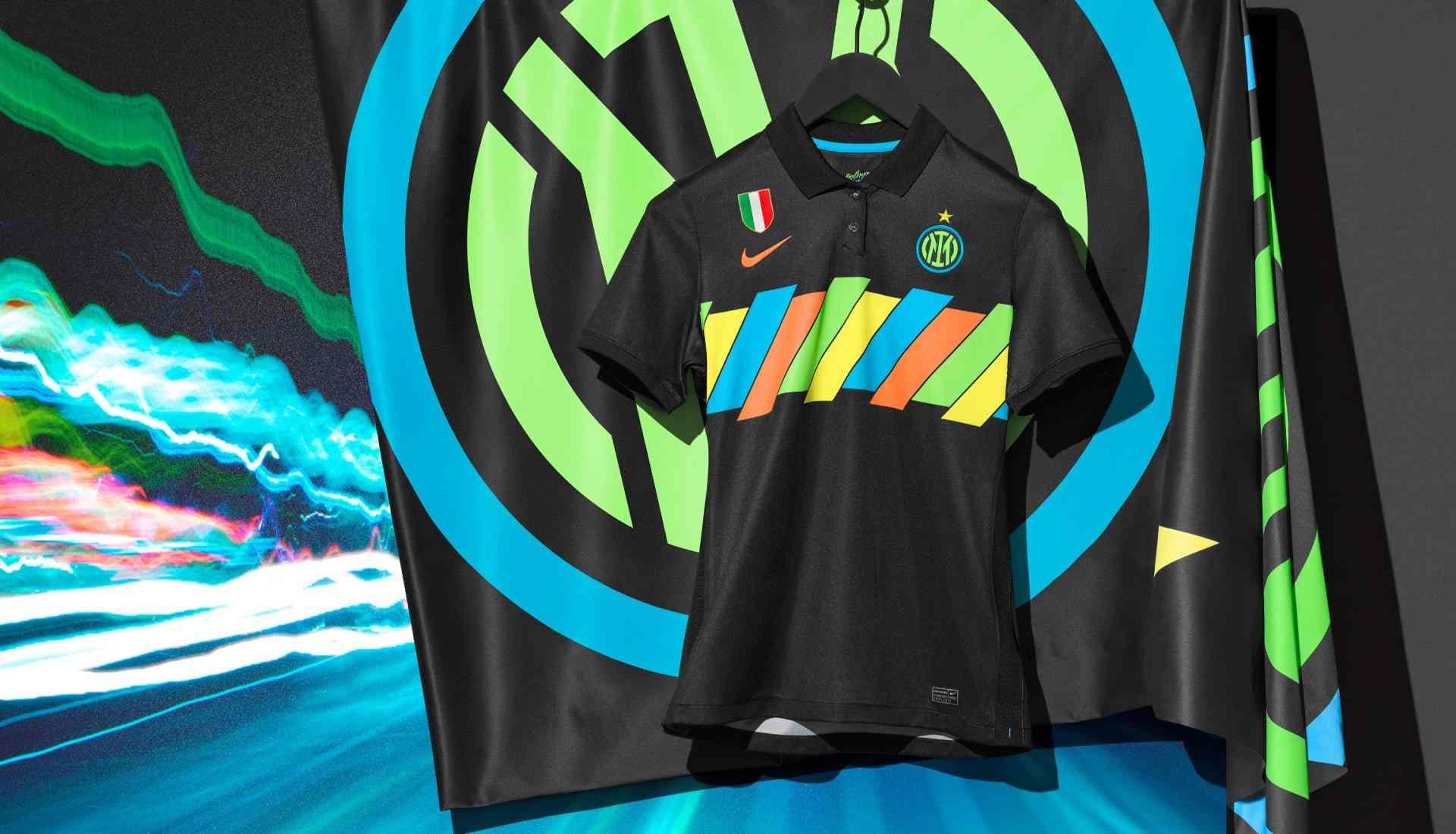 Inter de Milán presenta su tercera camiseta Nike 21/22