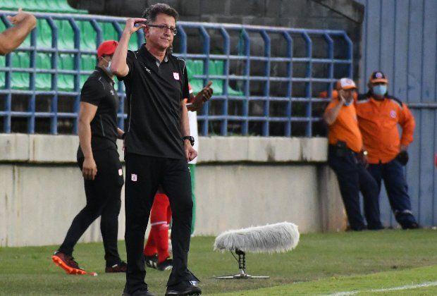 Juan Carlos Osorio y sus jugadores salieron escoltados del Pascual tras derrota ante Quindío