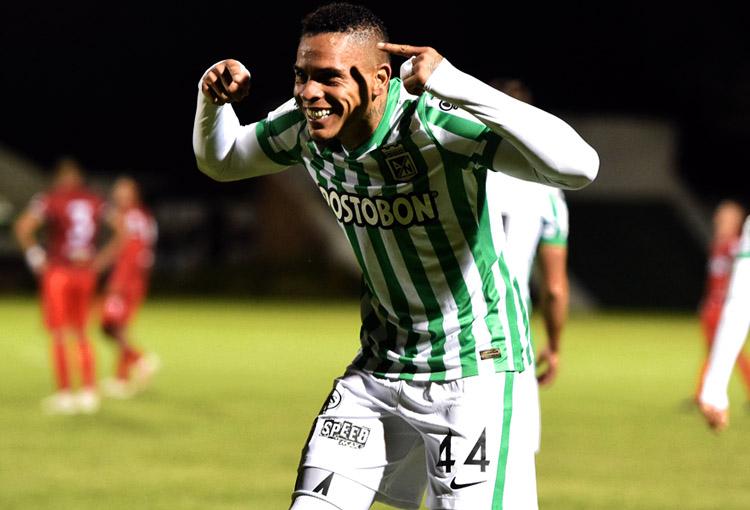 Llegó el octavo gol de Jonatan Álvez vistiendo camiseta de Atlético Nacional