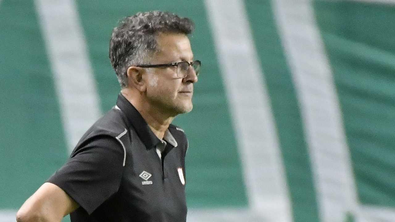 Juan Carlos Osorio explicó la razón de usar a toda la suplencia en el clásico