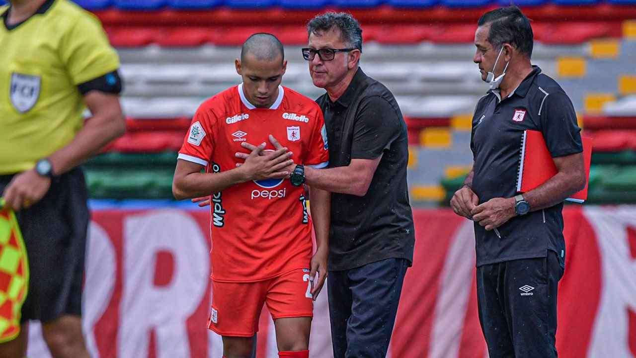Ni con rotación tienen minutos los jugadores borrados por Osorio