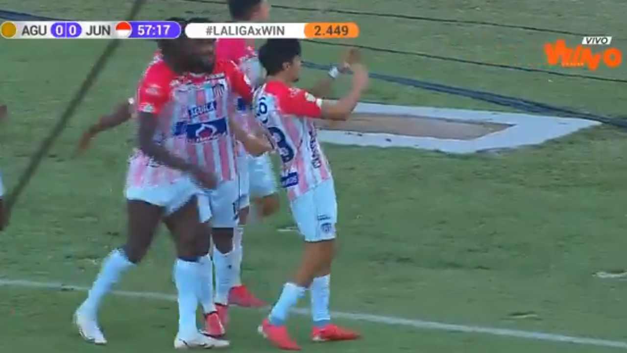 No le cobraron un penal a Junior y Sambueza se desquitó haciendo gol