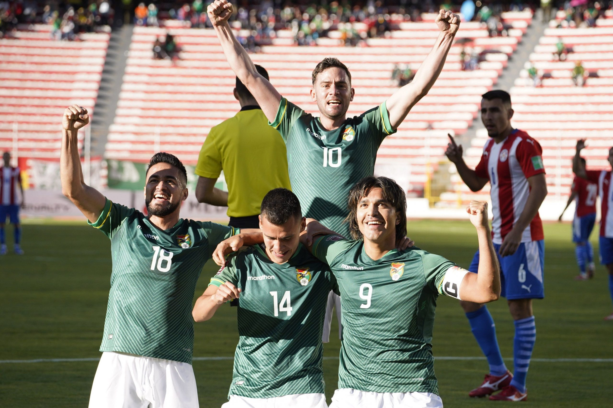 Bolivia y una ayuda para Colombia: goleó a Paraguay en La Paz