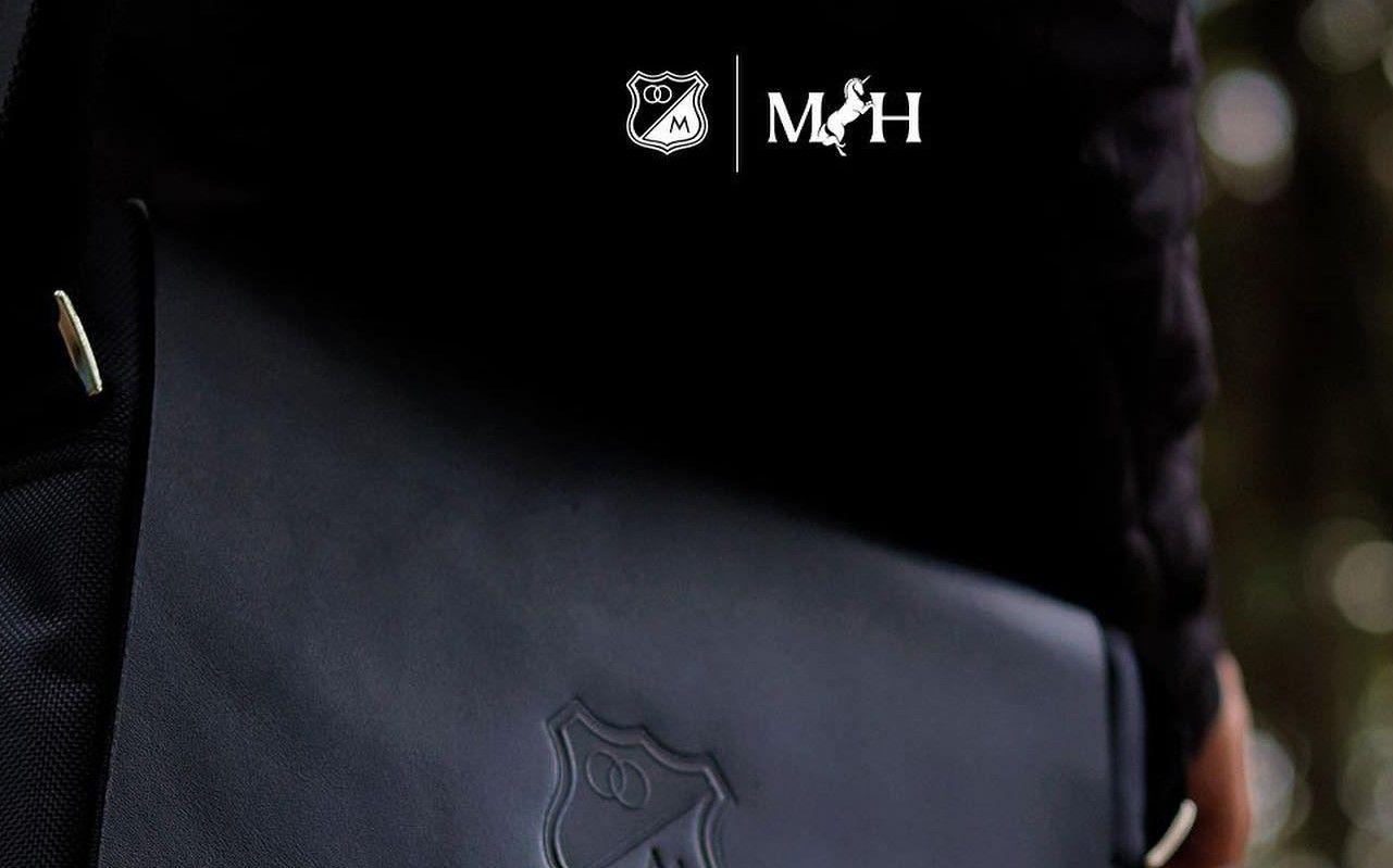 Colección de accesorios exclusivos Millonarios FC, Mario Hernández