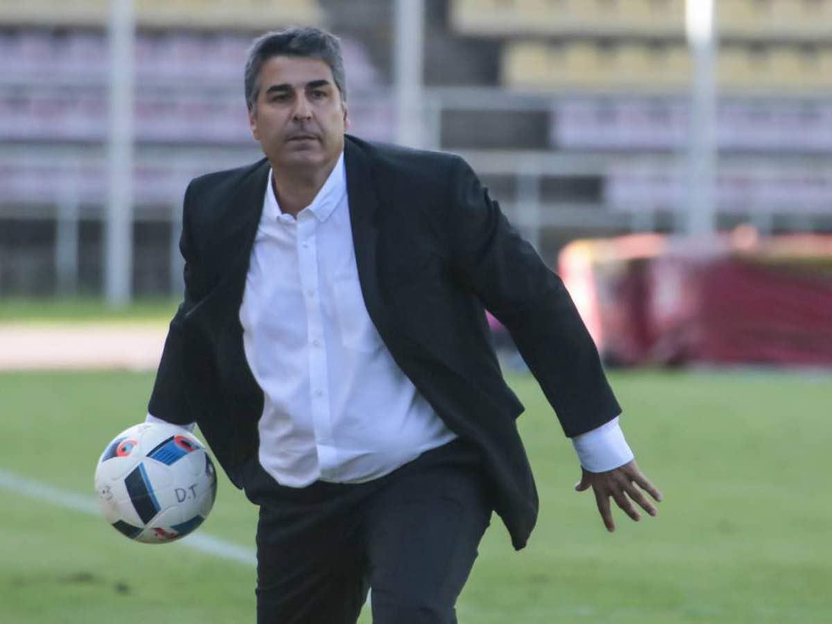 Sachi Escobar renuncia en Ecuador y ya varios lo piden