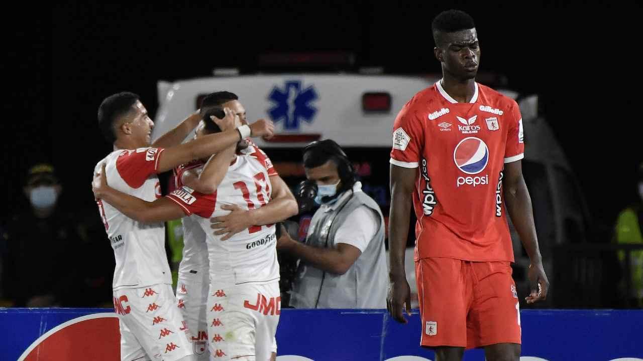 Santa Fe sorprende al América en la ida de la Superliga
