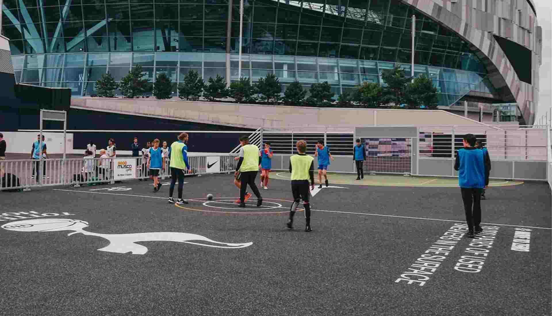 Tottenham y Nike organizaron taller de sostenibilidad con estudiantes