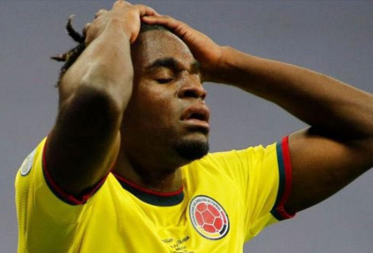El respaldo de Juan Guillermo Cuadrado para Duván Zapata por el gol errado ante Uruguay